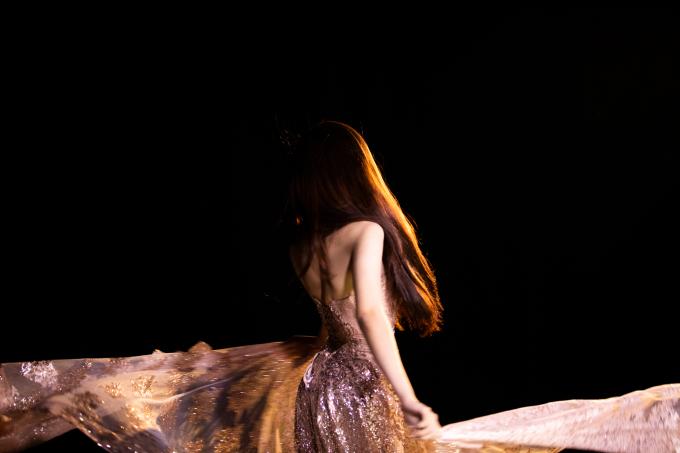 Đỗ Nhật Hà tung bộ hình đẹp như nữ thần trước thềm chung kết
