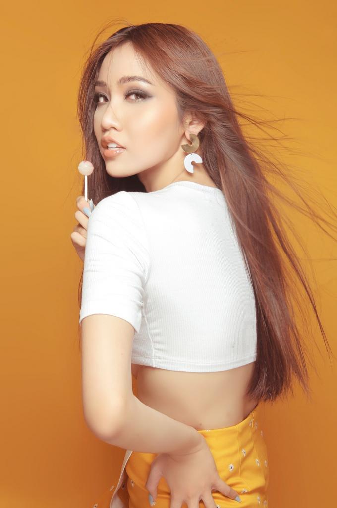 Hậu Miss International Queen, Nhật Hà tung bộ ảnh khoe trọn đường cong theo đuổi hình tượng sexy