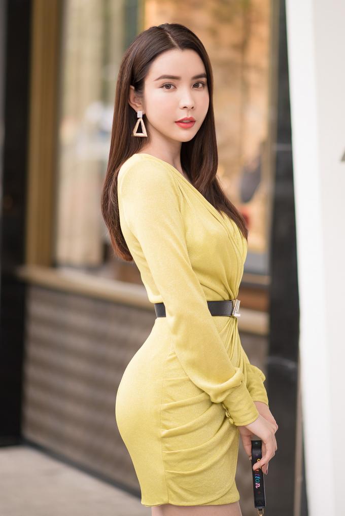 Huỳnh Vy tiết lộ bản thân từng nhận nhiều lời mời khiếm nhã sau đăng quang hoa hậu