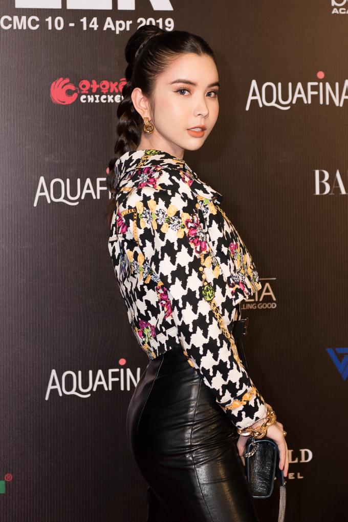 Hoa hậu Huỳnh Vy đẹp không góc chết với cây hàng hiệu