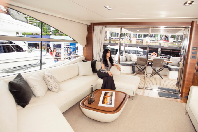 Năm nay, NTK gốc Việt Trisha Vu sẽ có buổi trình diễn BST thời trang mới trong khuôn khổ triển lãm du thuyền và Hoa hậu quý bà quốc tế 2018 Loan Vương là một trong số những khách mời tới dự buổi trình diễn của NTK xinh đẹp, tài năng này.