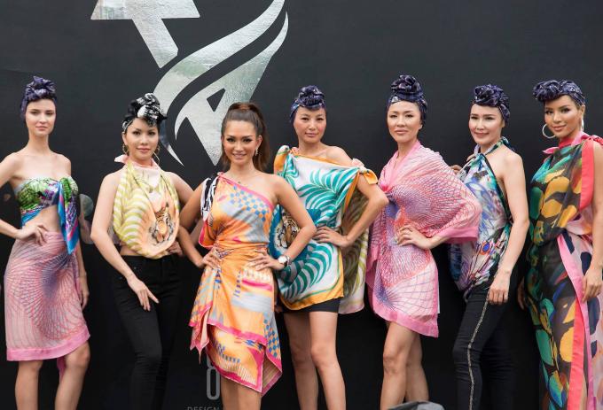 Hoa hậu Loan Vương thả dáng bên du thuyền triệu đô ở Singapore