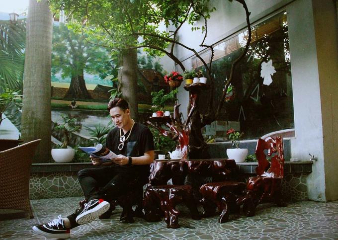 Khánh Phương tại căn nhà quận 1.
