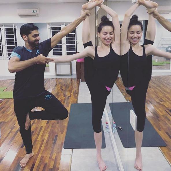 Angela Phương Trinh, Trà Ngọc Hằng, Huỳnh Vy sở hữu vóc dáng khỏe khoắn nhờ yoga