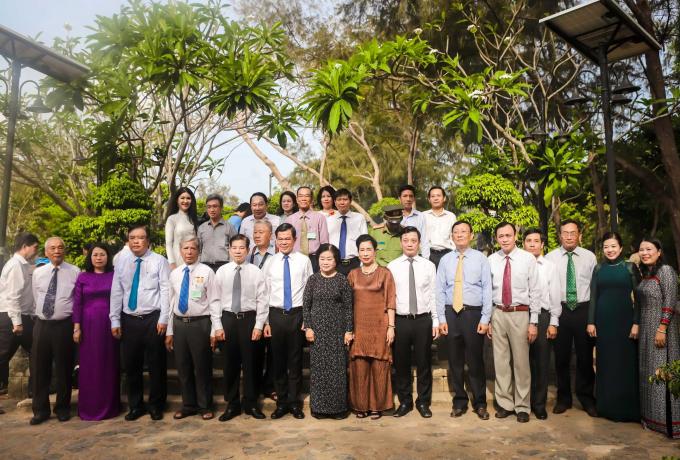 Nguyên Chủ tịch nước Nguyễn Minh Triết; nguyên Phó Chủ tịch nước Trương Mỹ Hoa, cùng lãnh đạo các Bộ, Ban, ngành Trung ương và địa phương tham dự Lễ kỷ niệm 40 năm Di tích quốc gia đặc biệt Côn Đảo.