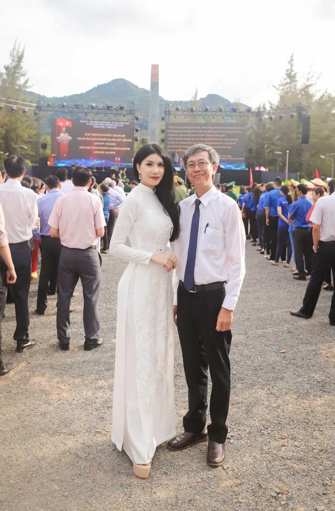 Và Phó chủ tịch Ủy ban Nhân dân huyện Côn Đảo Nguyễn Anh Nhựt.