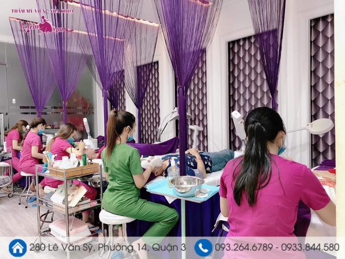 59Đông đảo khách hàng tìm đến làm đẹp tại TMV Lọ Lem.