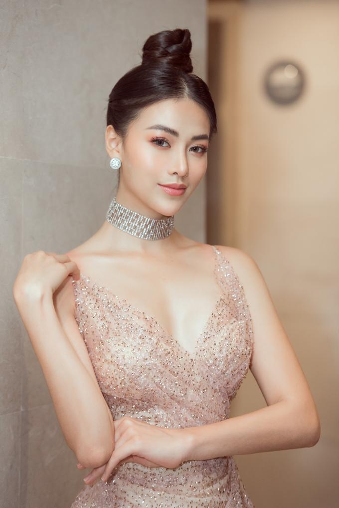 Hoa hậu Phương Khánh quyến rũ tại sự kiện.