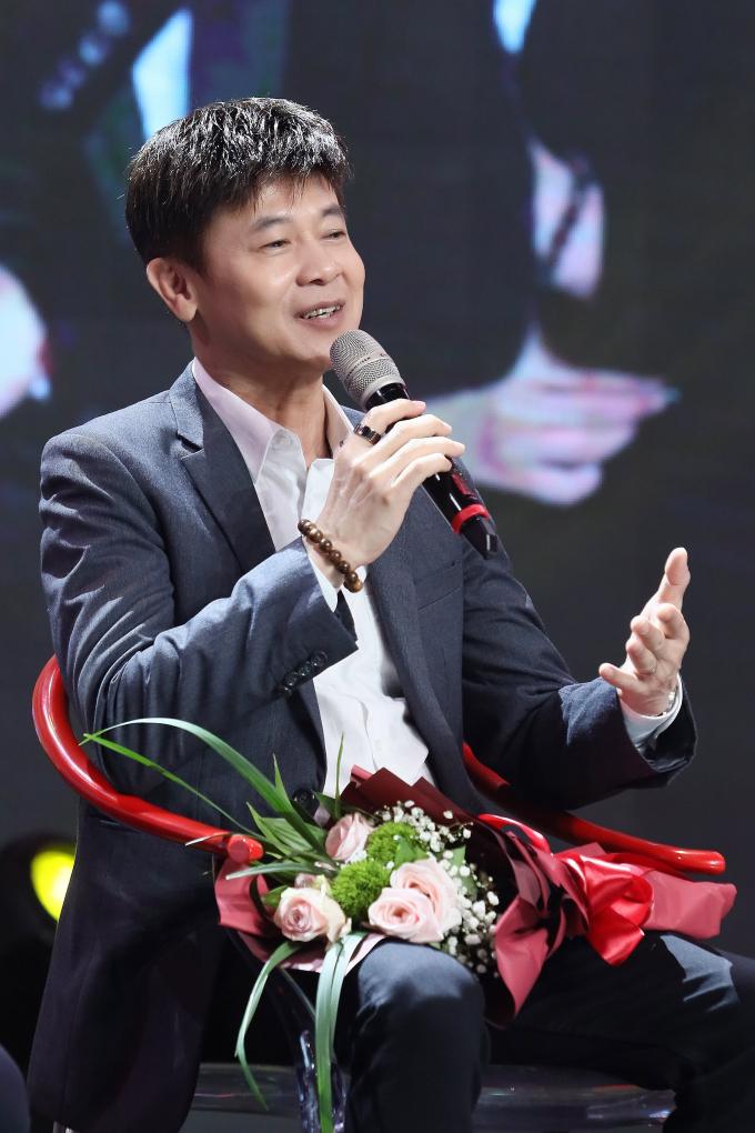 Thai Chau tra loi phong van
