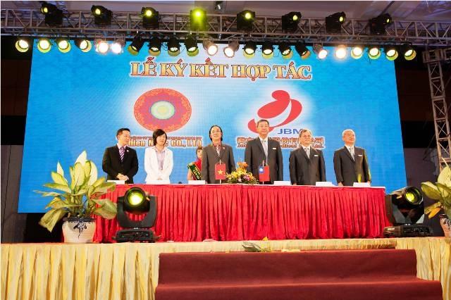 Thiên Ngọc Minh Uy và Joben hợp tác cung cấp các sản phẩm chăm sóc sức khỏe cho cộng đồng.