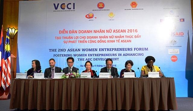 Diễn đàn Doanh nhân nữ ASEAN lần thứ hai được tổ chức tại Hà Nội.