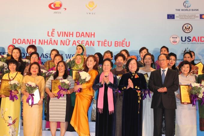 87 Doanh nhân nữ tiêu biểu của 10 nước ASEAN được vinh danh trong dịp này.