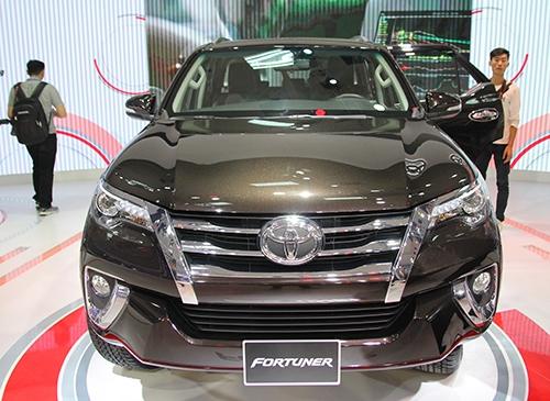 Toyota Fortuner thế hệ mới thay đổi lớn về thiết kế.