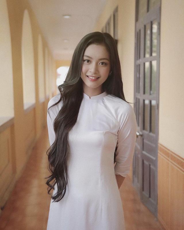 Bức ảnh xinh đẹp hoàn hảo của Nguyễn Tố Anh khiến cô trở thành