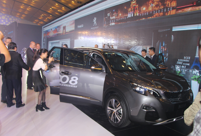 Nội thất của SUV Peugeot thế hệ mới là sự kết hợp giữa hai yếu tố: Thẩm mỹ và công nghệ.