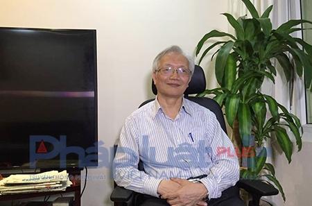 Tiến sĩ Nguyễn Tùng Lâm – Hiệu trưởng trường THPT Đinh Tiên Hoàng (Hà Nội), Chủ tịch Hội Tâm lý Giáo dục Hà Nội chia sẻ vớiPhapluatplus.Ảnh: Nguyễn Bảo.