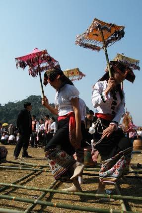 Nhảy sạp của đồng bào Thái miền tây Xứ Nghệ. (ảnh: Minh Long).