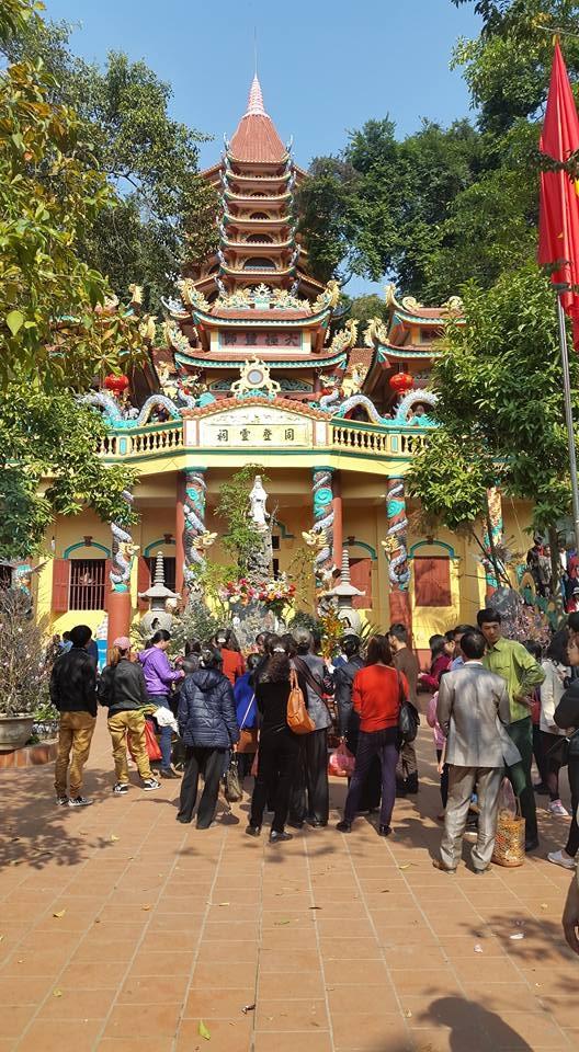 Đây là một trong những nơi thờ tự nổi tiếng trong tín ngưỡng thờ Mẫu của người Việt Nam. (ảnh: Minh Long).