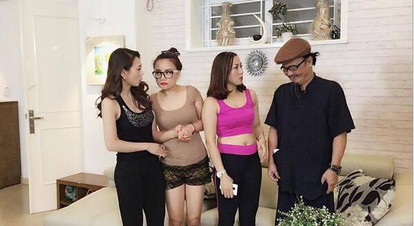 Diễn viên Hoàng Yến, Mai Thu Huyền cùng các diễn viên một cảnh trong phim. (Ảnh: Minh Long)