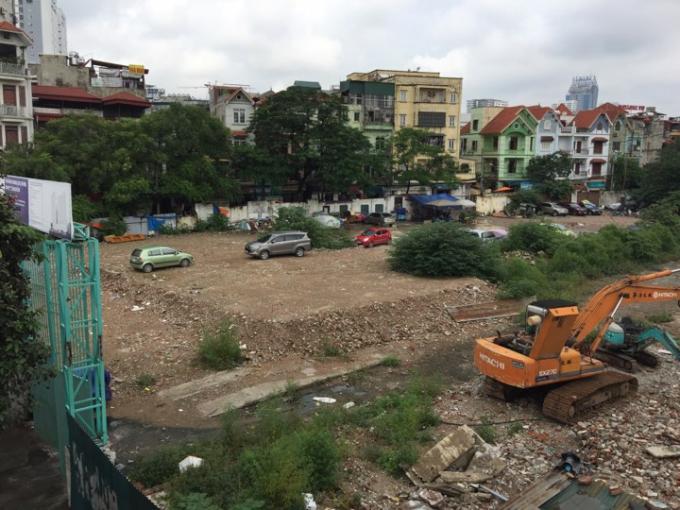Bãi trông xe không phép ở 224 Nguyễn Trãi