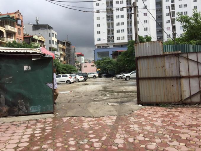 Bãi xe không phép ở 108 Nguyễn Trãi.