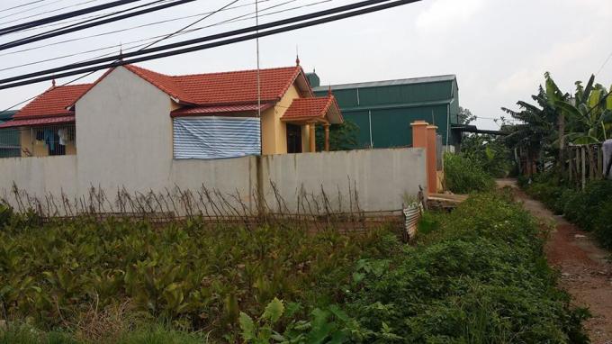 Nhà cửa xây kiên cố trên đất nông nghiệp ở Dương Liễu.