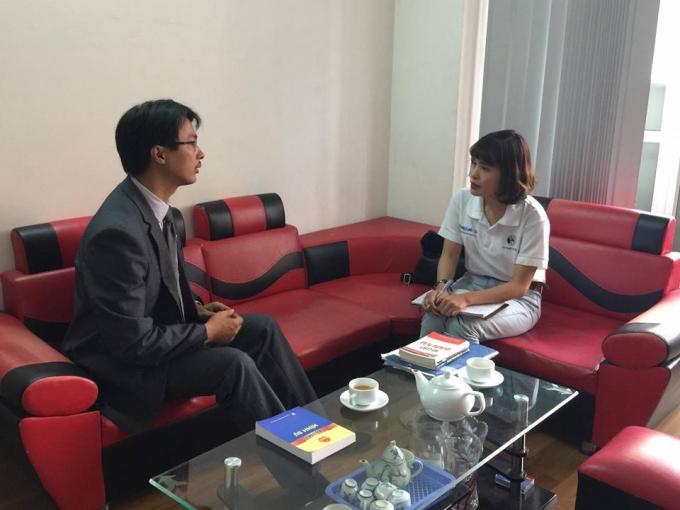 Luật sư Đặng Văn Cường trao dổi ới PV.