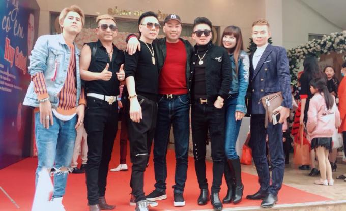 Ca sĩ Châu Việt Cường, Du Thiên, Nam Khang và các ca sĩ khác.