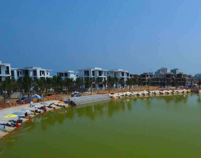 Khung cảnh hồ câu rộng 40.000 m2 tại FLC Sầm Sơn