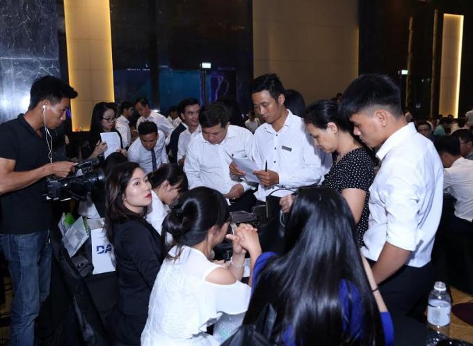 Có nhà đầu tư đăng ký mua cùng lúc nhiều căn condotel tại FLC Grand Hotel Sầm Sơn ngay trong sáng 2/7