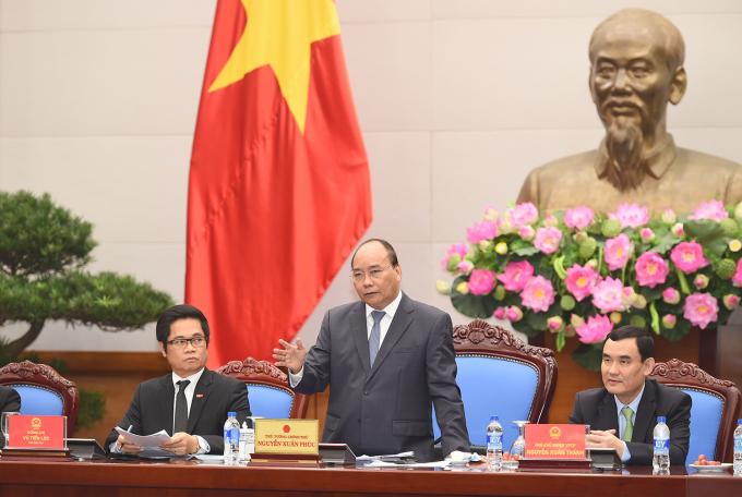 Thủ tướng phát biểu tạicuộc gặp mặt lãnh đạo các hiệp hội doanh nghiệp trên toàn quốc nhân ngày doanh nhân Việt Nam 13/10/2017.