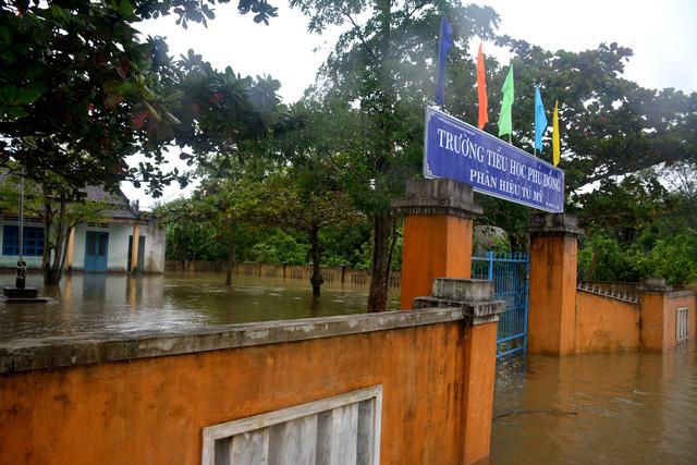 Nhiều trường học trên địa bàn Quảng Nam ở nơi trũng thấp bị ngập nước