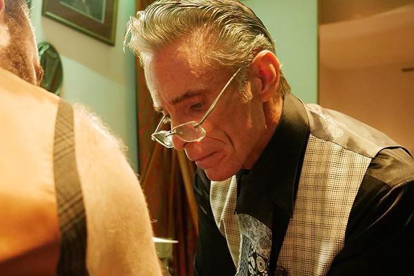 Nghệ sĩ xăm mình Mark Mahoney (59 tuổi)