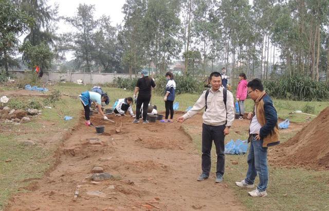 Khu vực tiến hành thám sát, nghiên cứu khảo cổ học khu vực đền Huyện thuộc xã Xuân Giang, huyện Nghị Xuân.