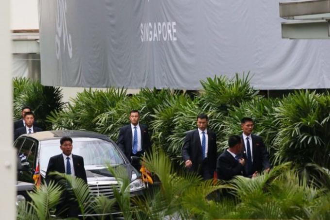 Các vệ sĩ Triều Tiên. Ảnh: Straits Times