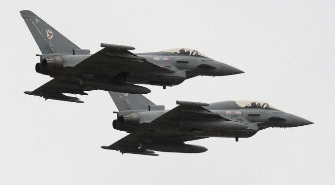 Anh sẽ trang bị thêm 2 phi đội máy bay chiến đấu Typhoon (Ảnh: AFP)