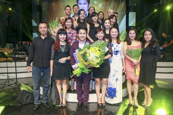 Đông đảo nghệ sĩ chúc mừng Liveconcert Bài ca không quên của Trọng Tấn