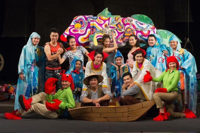 Dàn diễn viên Nhà hát Tuổi trẻ tham gia diễn xuất
