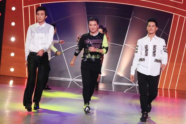 Bộ ba quyền lực tạo dáng trên sân khấu