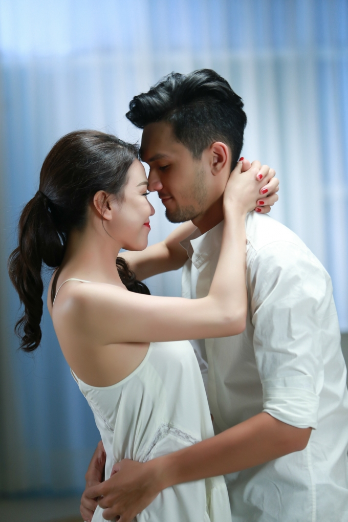 Cặp tình nhân lãng mạn trong MV