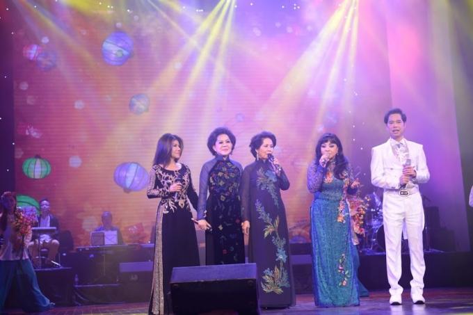 Ngọc Sơn và bốn giọng ca nữ trong