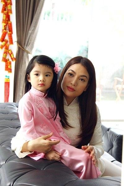 Trương Ngọc Ánh luôn mong bé Bảo Tiên giữ gìn được nét đẹp truyền thống của người con gái Việt Nam