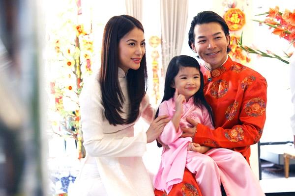 Trương Ngọc Ánh và Trần Bảo Sơn dành mọi sự ưu tiên cho cô con gái Bảo Tiên
