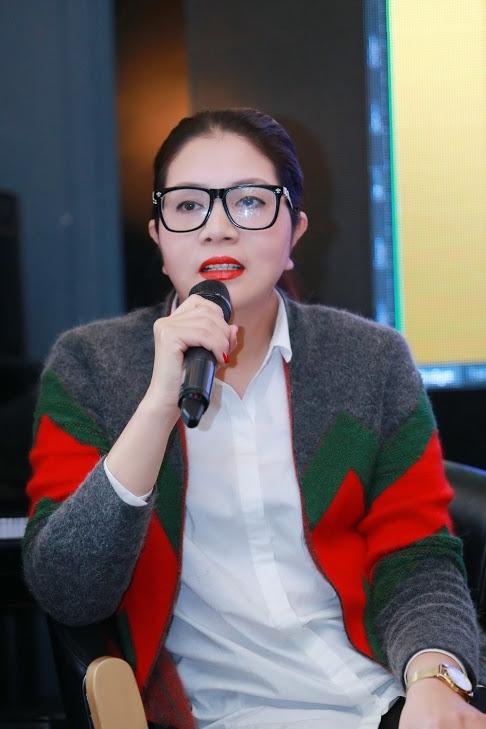 Nữ đạo diễn Nguyễn Việt Thanh đảm nhận vai trò tổng đạo diễn Live concert Lệ Quyên 2016.