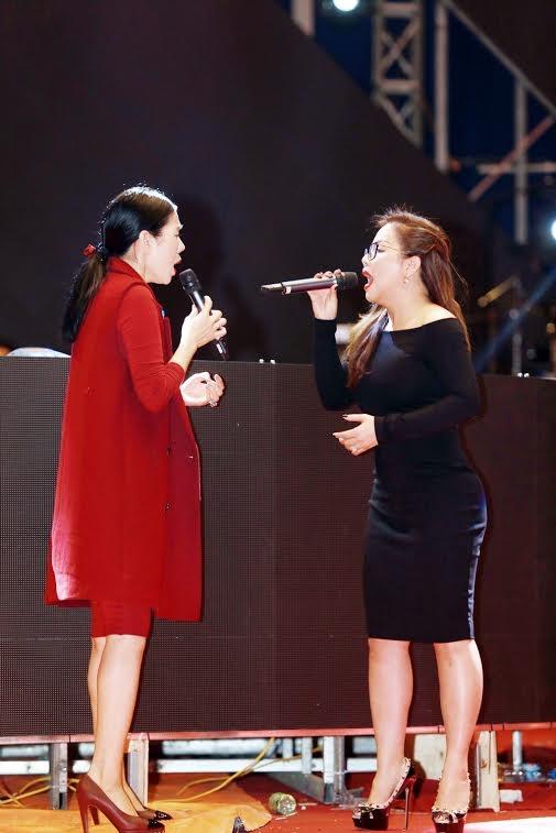 Minh Tuyết là khách mời nữ duy nhất trong đêm 8-3.