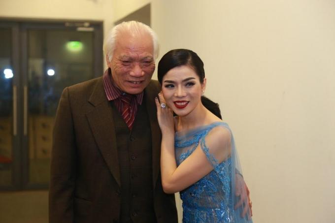 Nhạc sĩ, thầy giáo Đào Hữu Thi chúc mừng thành công của