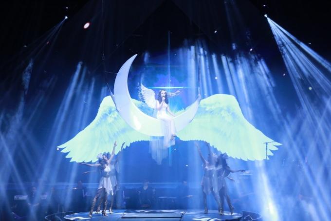 Live concert Lệ Quyên 2016 làm thỏa mãn cả thính giác và thị giác với khán giả Hà thành.