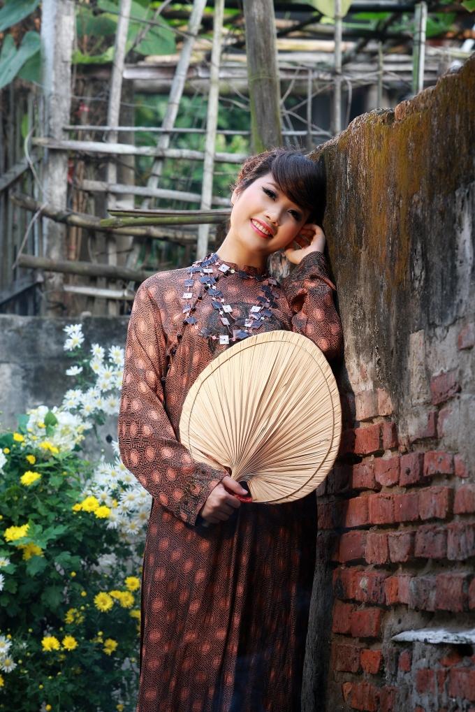Trần Hồng Nhung -nữ ca sỹ giải Nhì dòng nhạc thính phòng Sao Mai 2009.
