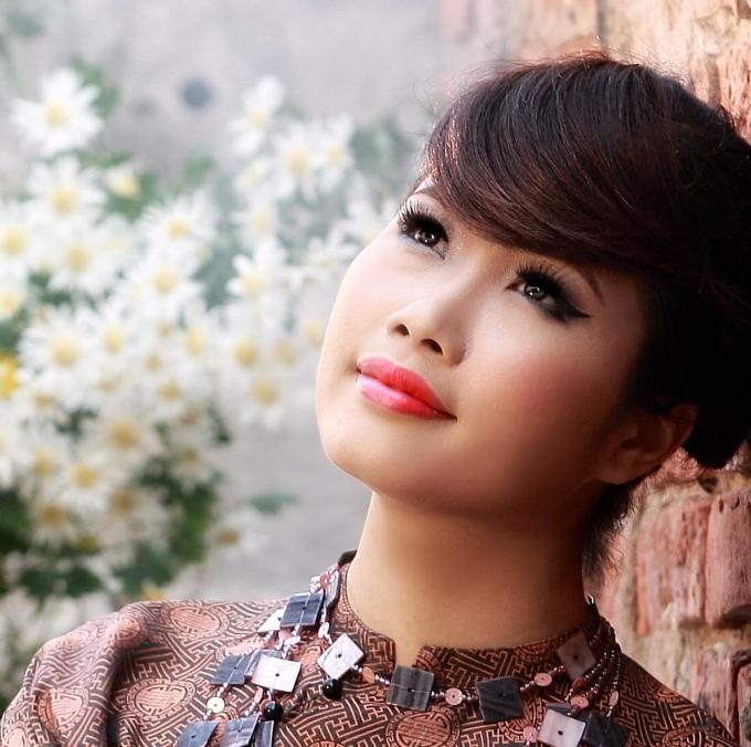 Trần Hồng Nhung về với bến Giác với CD nhạc Phật
