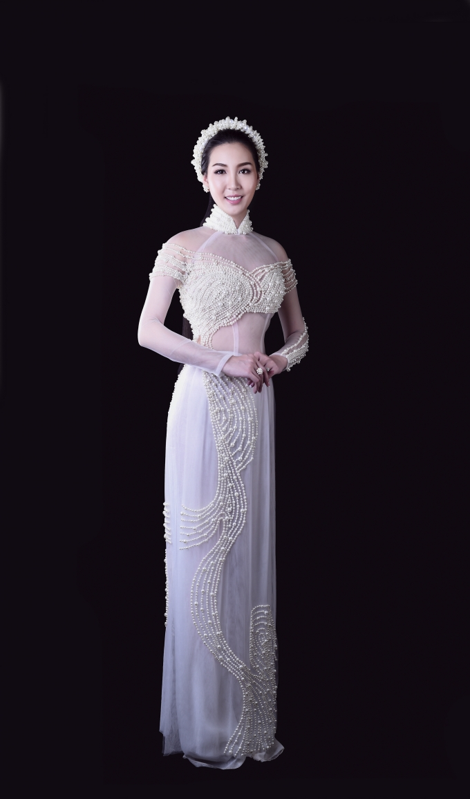 Mẫu áo dài lấy ý tưởng từ sông nước Đồng Nai.